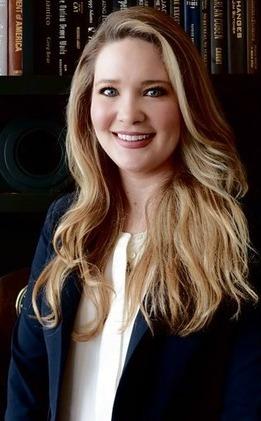 Sarah J Maas Net Worth